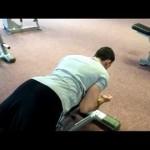 Un exercitiu simplu pentru a scapa de cifoza