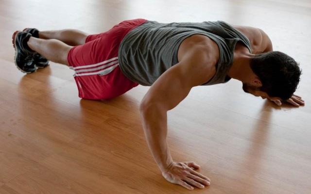 Antrenament cu greutatea corpului pentru masa musculara