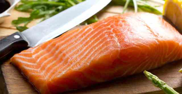 alimente pentru masa musculara - somon
